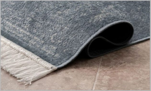 Remove Various Types of Stains from Rugs